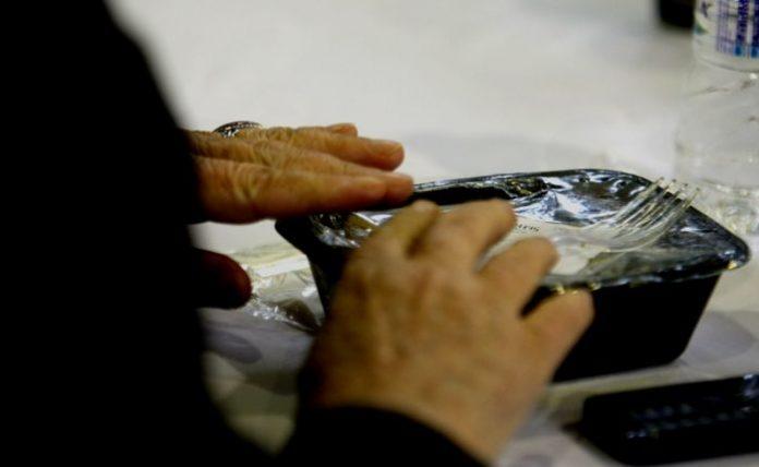 Αττική: Πρόγραμμα παροχής τροφίμων σε άστεγους