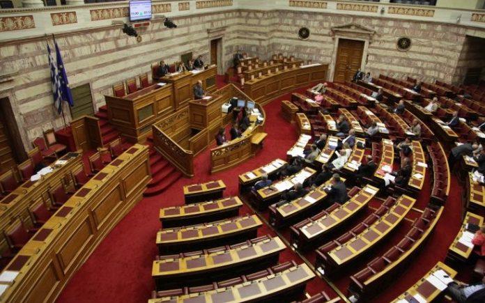 Ψηφίστηκε επί της Αρχής το επενδυτικό νομοσχέδιο Σταθάκη