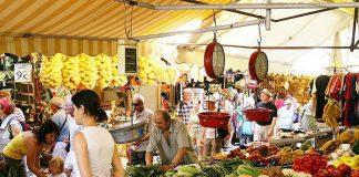 «Αντικειμενικοποίηση» για τη χορήγηση θέσεων στις λαϊκές αγορές φέρνει το νομοσχέδιο