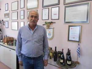 Ο πρόεδρος του Οινοποιητικού Συνεταιρισμού ΒΑΕΝΙ,  Γιώργος Φουντούλης