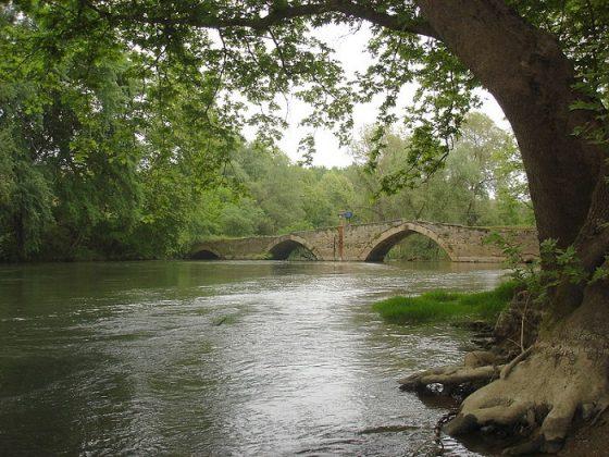 Ταξίδι στα έγκατα του ποταμού Αγγίτη