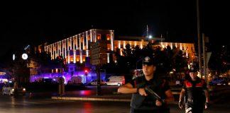 Σε εξέλιξη πραξικόπημα στην Τουρκία, στήριξη από το λαό ζήτησε ο Ερντογάν