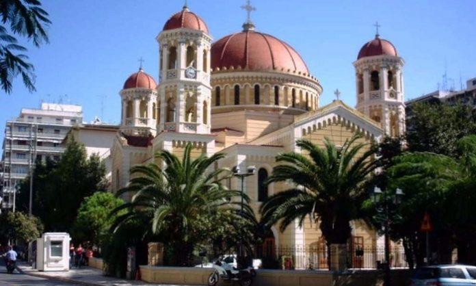 θεσσαλονίκη: Αντιεξουσιαστές εισέβαλαν στη Μητρόπολη