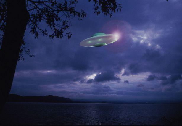 Ηλεία: Μαρτυρία ζευγαριού για 5 UFO ανοιχτά του Κατακόλου