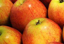 Δέσμευση μισού τόνου μήλων στην Α' λαϊκή αγορά του Πειραιά