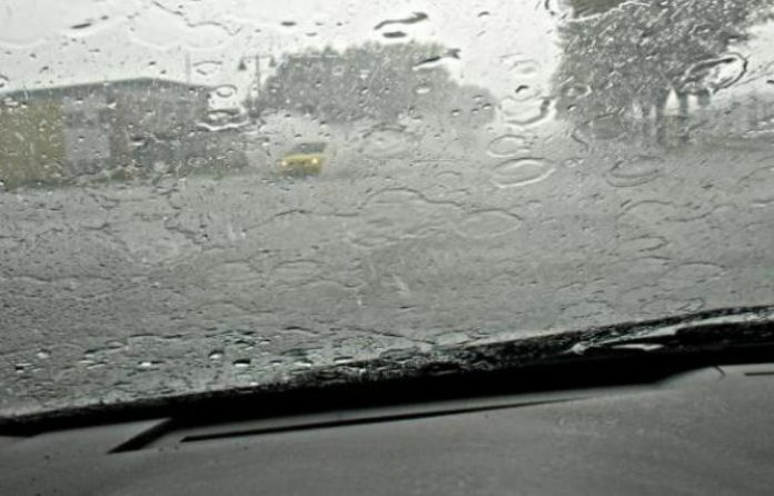 Με βροχές και καταιγίδες και αυτό το Σαββατοκύριακο σε πολλές περιοχές της χώρας
