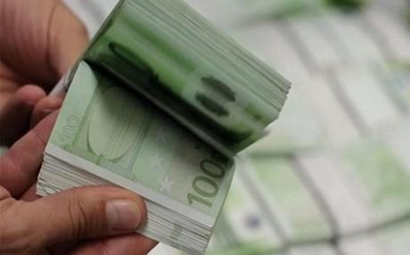 Για το 2017 πάει η πληρωμή των υπολοίπων της εξισωτικής του 2015