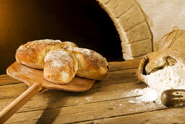 «Παραδοσιακό» το ψωμί των φούρνων για να ξεχωρίζει από το προψημένο