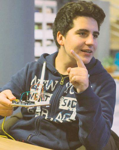 Ο 18χρονος Τρικαλινός δημιουργός της εφαρμογής geabit για τους αγρότες