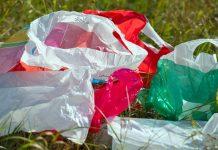 Πλαστικές σακούλες; Θα κοστίζει ο κούκος αηδόνι…