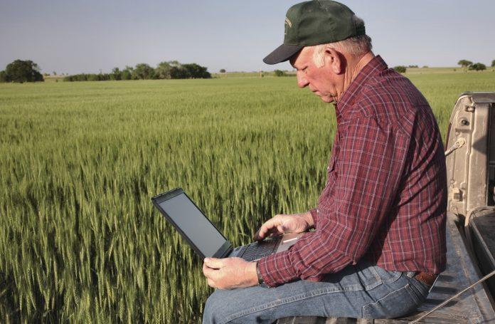 Σβήνονται τα πρόστιμα για τις εκπρόθεσμες μετατάξεις αγροτών, υπενθυμίζει η ΑΑΔΕ