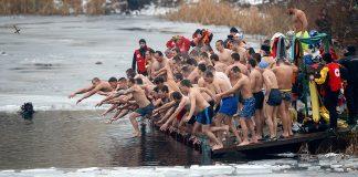 Θεοφάνεια: Βουτιές σε παγωμένα νερά μέχρι και -40 (Φωτό)