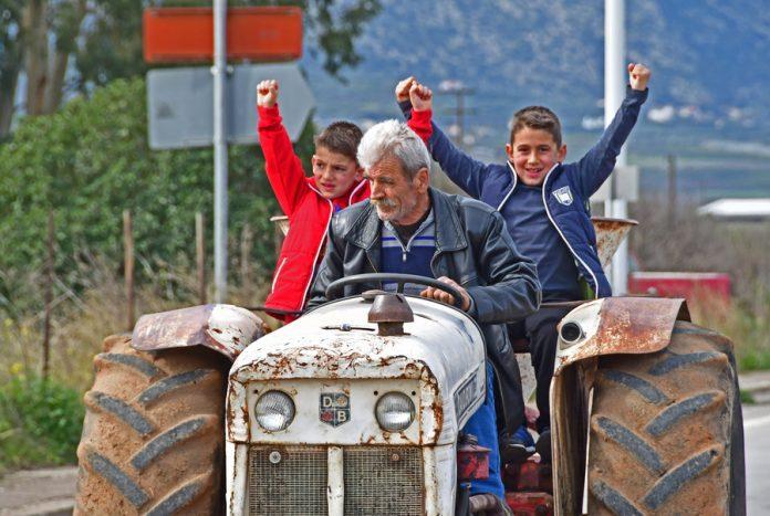 Μπλόκο στον Ίναχο έστησαν οι αγρότες της Αργολίδας