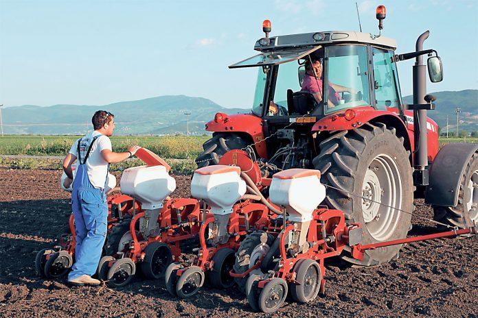 Διατηρούν το επίδομα οι άνεργοι που απασχολούνται σε αγροτικές εργασίες έως 70 μέρες