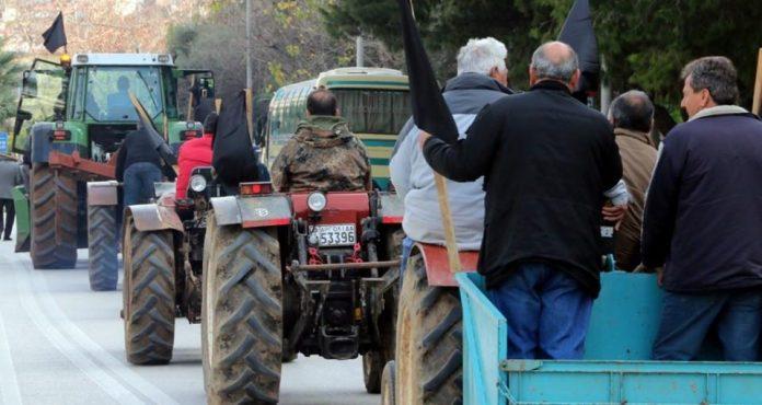 Κλειστή για δύο ώρες από τους αγρότες η εθνική οδός στο Αίγιο