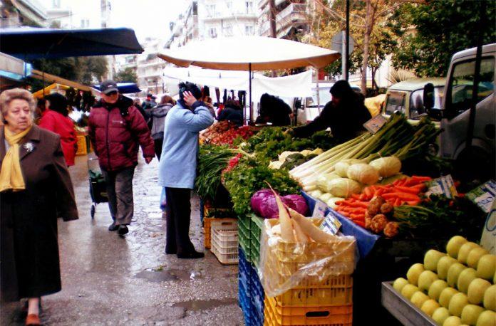 Οι λαϊκές αγορές στο επίκεντρο της συνάντησης Β. Αποστόλου με εκπροσώπους παραγωγών και πωλητών λαϊκών αγορών