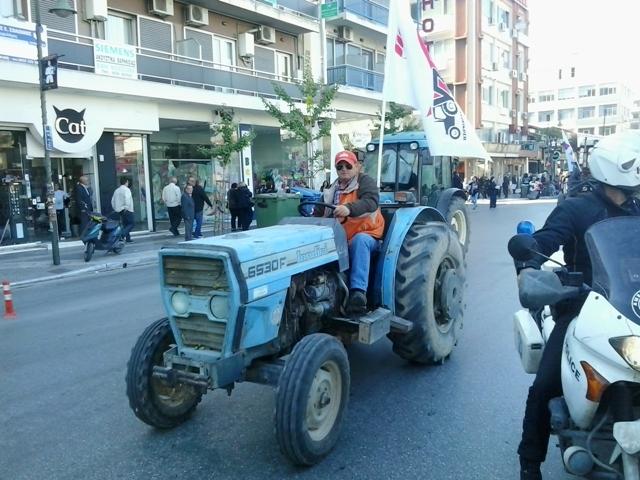 Στο συλλαλητήριο της Λάρισας και η Ομοσπονδία Αγροτικών Συλλόγων Τρικάλων