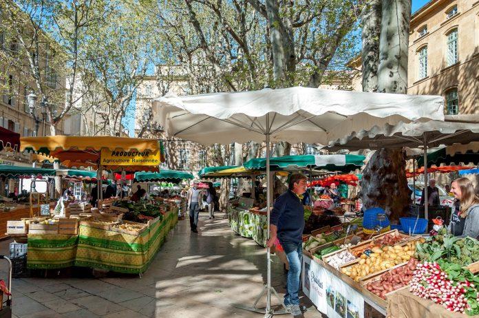 Ψάχνονται για τις λαϊκές αγορές της Γαλλίας ελληνικές εταιρείες