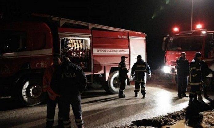 Πυρκαγιά σε εγκαταλελειμμένο εργοστάσιο στην περιοχή του Τυρνάβου