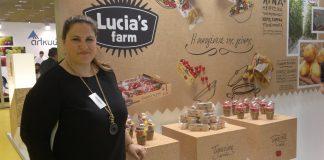 H οικογένεια της Lucia μεγαλώνει με μίνι πατάτα και καρπούζι χωρίς κουκούτσια