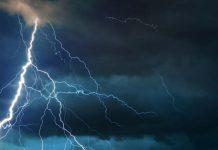 Κεραυνός έπεσε στην Ακρόπολη - Δύο τραυματίες