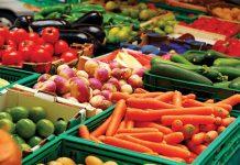 Δέσμευση 2,8 τόνων φρούτων στον Πειραιά
