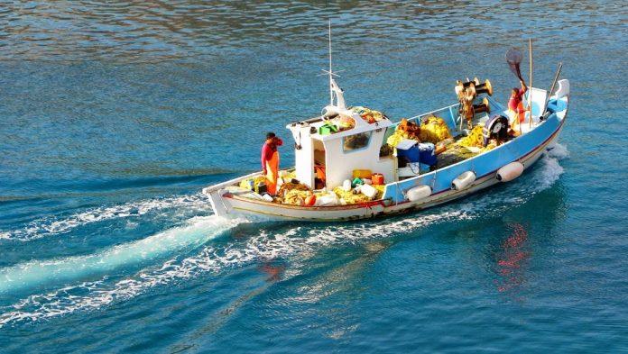 Γ. Μαυρωτάς: «Βυθισμένες στη γραφειοκρατία οι αποζημιώσεις των ψαράδων»