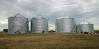 Τα προγράμματα που μπορούν να αξιοποιήσουν αγρότες και συλογικά σχήματα