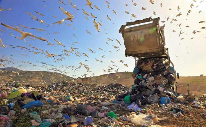 Θεσσαλονίκη: Ιδιωτικά απορριμματοφόρα θα μαζέψουν 1.200 τόνους σκουπιδιών
