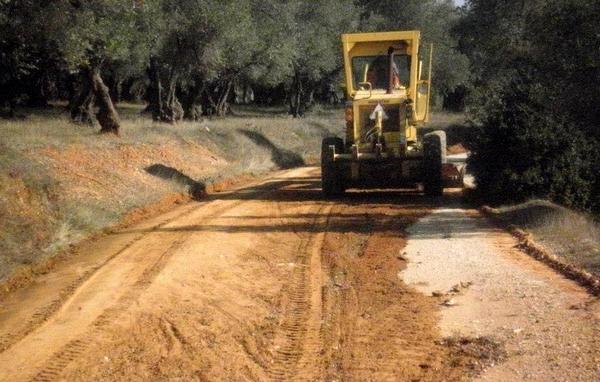 Ενεργοποιούνται από το υπουργείο Εσωτερικών 29 χρηματοδοτήσεις έργων αγροτικής οδοποιίας