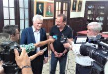 Συνάντηση Τσιρώνη - Μπέγκα: Έως τέλος της χρονιάς πλήρες νομοσχέδιο για τα αδέσποτα