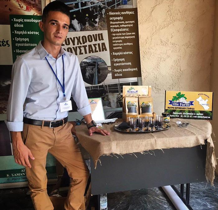 Ο Γιάννης Αλεξόπουλος, διακινεί το προϊόν του με δικό του brand name