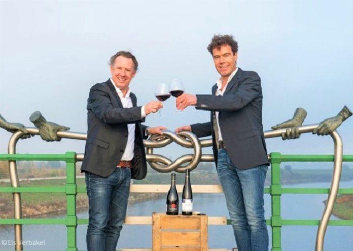 Για πρώτη φορά διασυνοριακή προστατευόμενη ονομασία προέλευσης οίνου στην ΕΕ