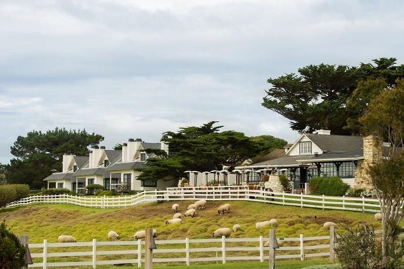 Ο Clint Eastwood αγόρασε το ιστορικό αγρόκτημα «Ranch Mission» (Φωτό)