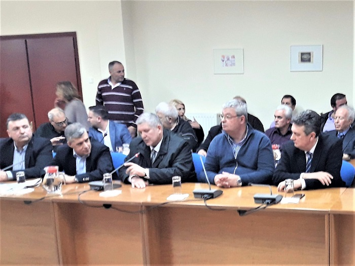 Στην Ελασσόνα σε σύσκεψη για την προστασία της ΠΟΠ φέτας
