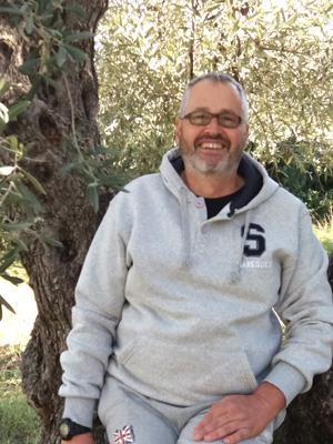 Φαβιανός Ρουγγέρης: Από την Τήνο στις λαϊκές της Αθήνας