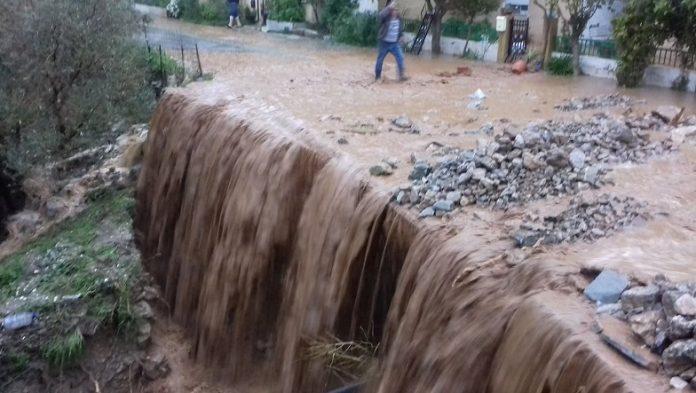Σε επιφυλακή ο δήμος Τρικκαίων εξαιτίας των έντονων βροχοπτώσεων