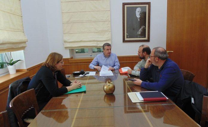 Περιφέρεια Κρήτης: Υπογραφή Σύμβασης για μελέτες και συντήρηση του οδικού άξονα