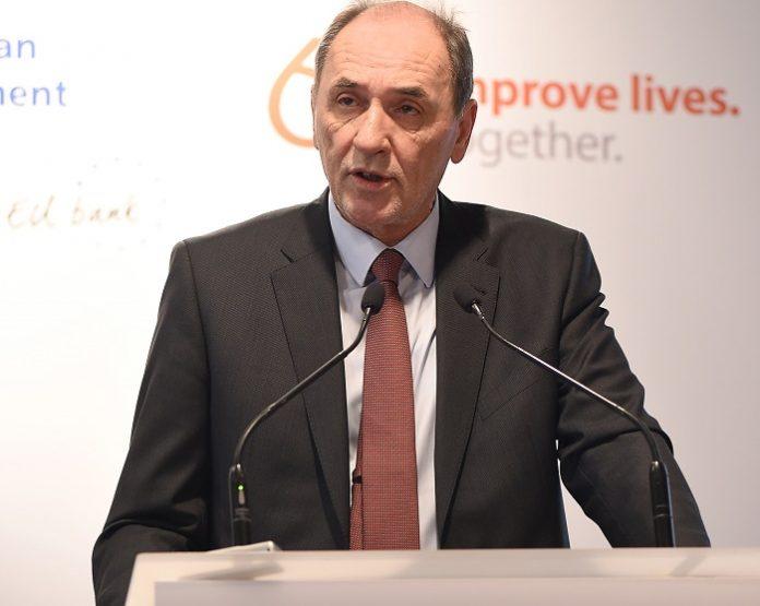 Υπεγράφη η δανειακή σύμβαση για την ανάπτυξη δικτύων διανομής φυσικού αερίου