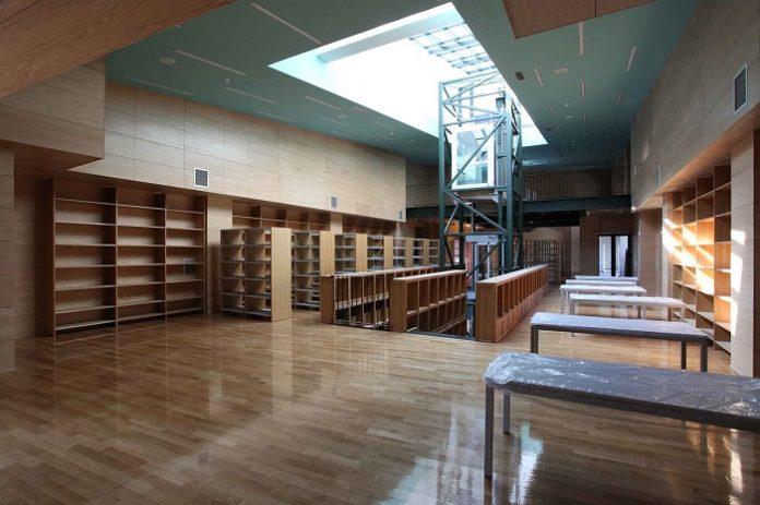 Κοζάνη: Πέντε αιώνες πλούτος μεταφέρεται στο νέο κτίριο της Δημοτικής Βιβλιοθήκης