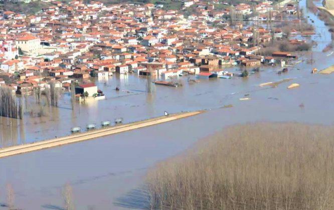 Tον οικισμό Λαβάρων πλησίασαν τα νερά από τις πλημμύρες στον Έβρο