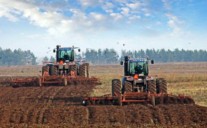 Με απόφαση Αραχωβίτη η ξεκινά διανομή αγροτικής γης