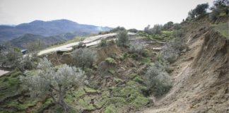 Πρέβεζα: Ευρεία σύσκεψη για το γεωλογικό φαινόμενο που έχει εξαφανίσει ελαιώνες