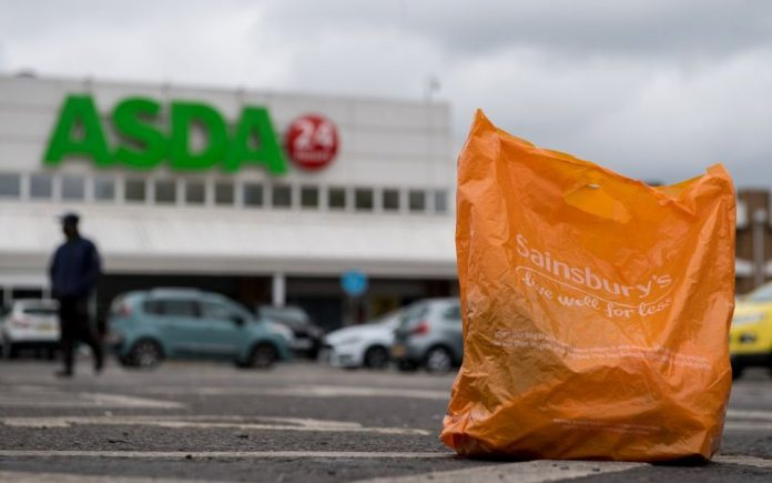 Sainsbury's και Asda συγχωνεύονται προσπερνώντας την Tesco στη Μεγ. Βρετανία
