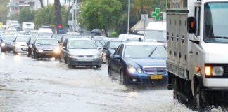 Θεσσαλονίκη: Σοβαρά προβλήματα από την ισχυρή καταιγίδα και χαλαζόπτωση