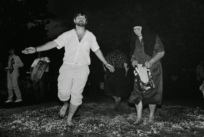 Αναστενάρια: To έθιμο που συνδέεται με τη γιορτή των Αγίων Κωνσταντίνου και Ελένης