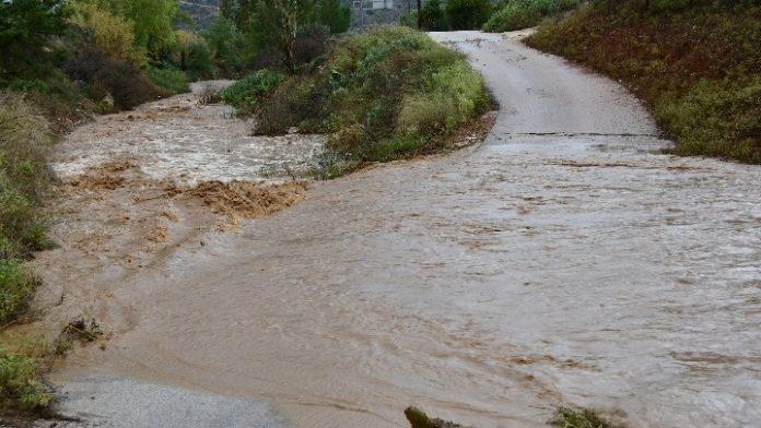 Πλημμυρικά φαινόμενα στην Ηλεία από τις έντονες βροχοπτώσεις