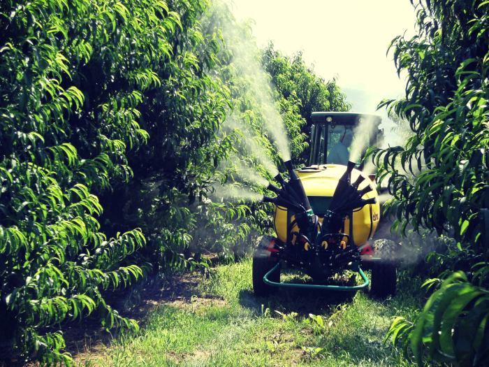 Σε όλες τις χώρες, οι μεγάλοι αγρότες, ανεξάρτητα από όσα ορίζει η νομοθεσία, ελέγχουν τα ψεκαστικά τους κάθε χρόνο