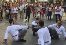 Κρήτη: Οι Κοζάκοι χόρεψαν στα Λιοντάρια για τον Ν. Καζαντζακη