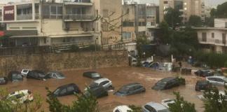 Η βροχή έπνιξε το Μαρούσι: Βούλιαξαν αυτοκίνητα (βίντεο)